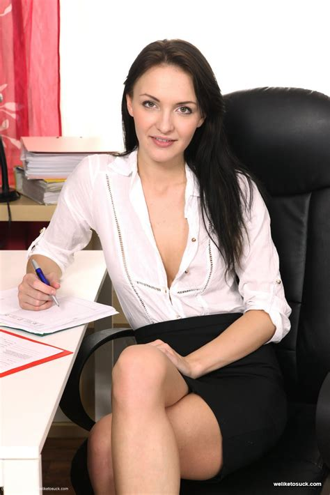 Gorgeous Belle Claire sucks cock in the office